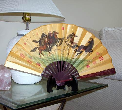 Spirited Stallions :: Table Display Fans