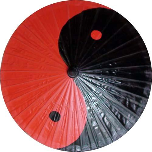 Yin/Yang in Black and Red :: Fashion Umbrellas