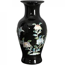 Black Fishtail Vase :: Porcelain Vases