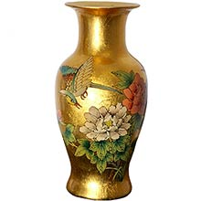 Gold Fishtail Vase :: Porcelain Vases